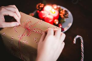 Tracking Holiday Spending Keeps Seasonal Stress Down